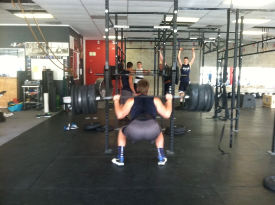 16 yr old Mason crushes 385.